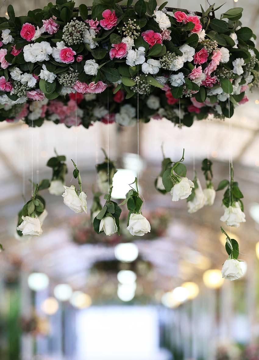 گل آرایی ورودی عروس و داماد